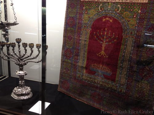 !5th or 16th century parochet from Egypt, in the Padova Jewish museum