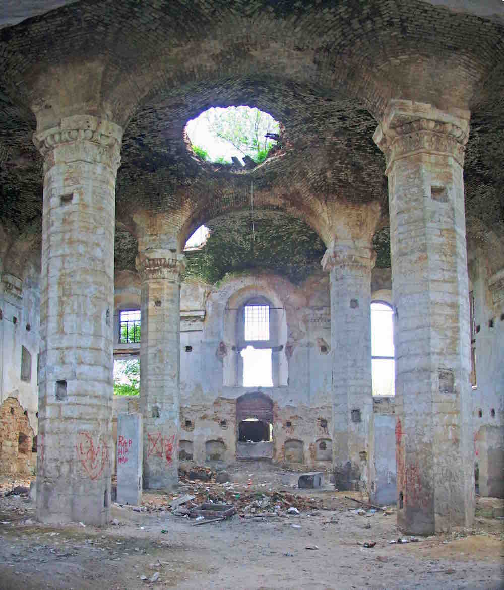 Ruined Maharsha Synagogue in Ostroh, Ukraine, 2011. Photo © Sergey Kravtsov