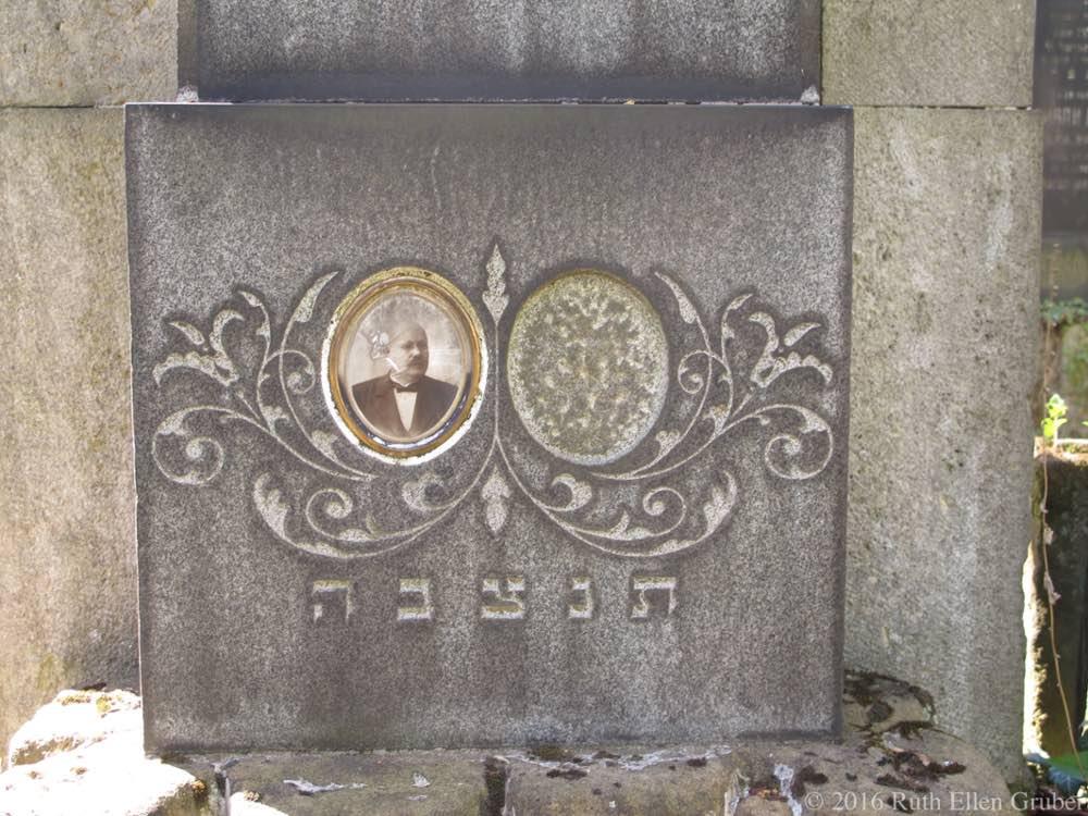 Photo on gravestone in the Brno Jewish cemetery