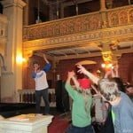 The rapper Kosha Dillz performs in the Tempel synagogue