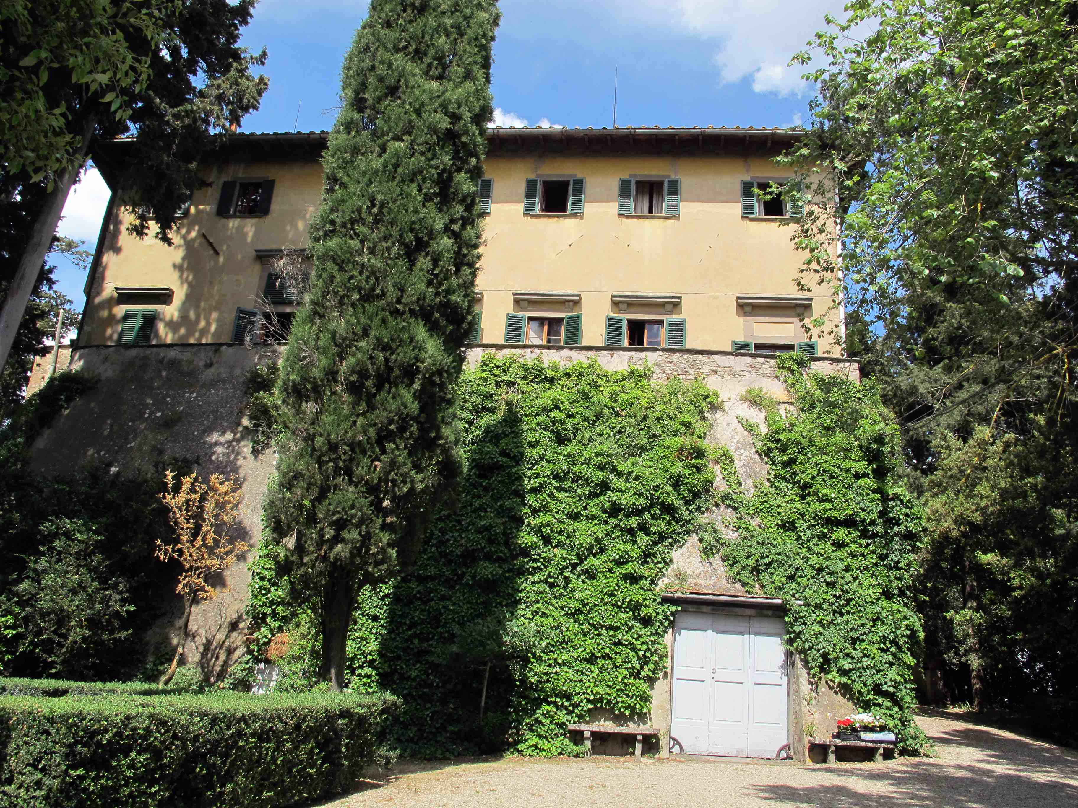 Castello Sonnino villa, Montespertoli, Italy. (Photo: Sailko - Own work, CC BY 3.0, via wikimedia commons.)